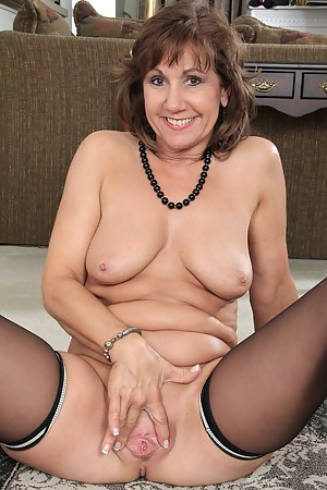 Mature naked spread