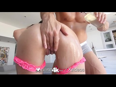 Soaked wet dripping pussy