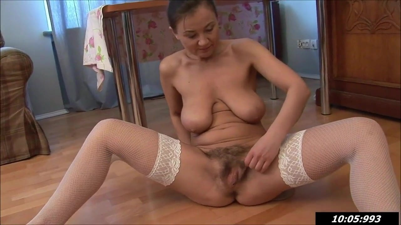 miss issy nude
