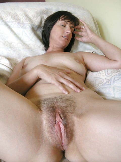 Mature hairy pussy lips