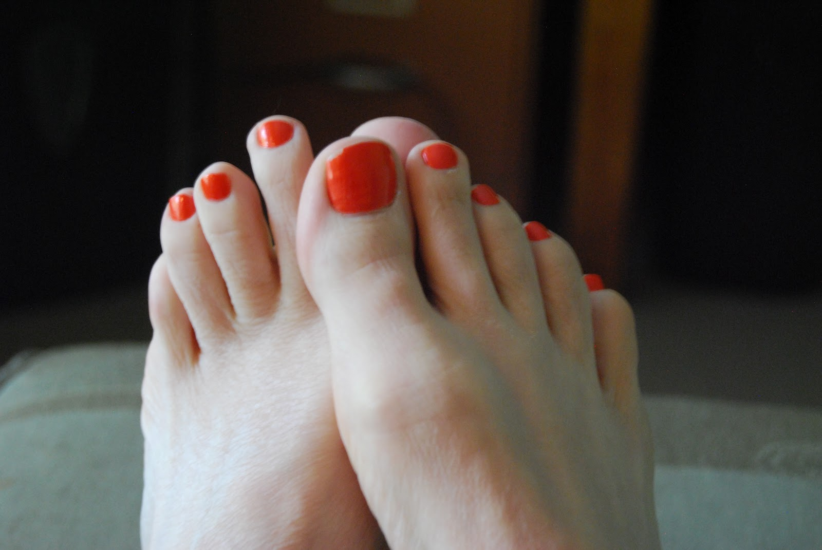 Hairy women with painted feet