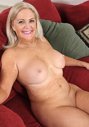 female nude action picture