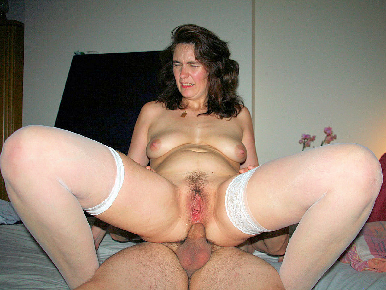 Mature wives riding cock