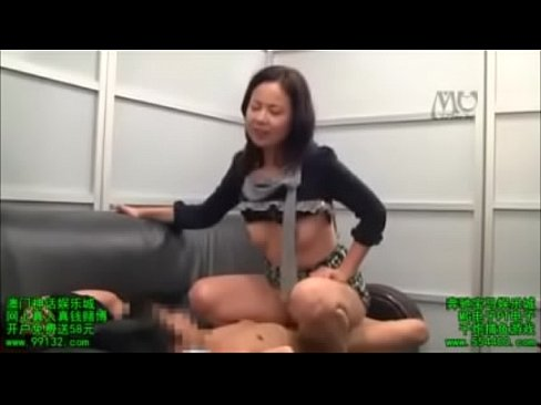 Mom experiments with daughter porn