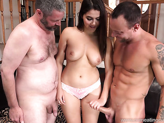 older woman younger woman eating pussy porn